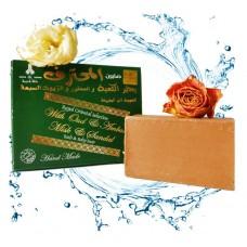 Оригинальное мыло Алеппо (Сирия) Дакка Кадима премиум, в составе: уд, янтарь, мускус и сандал. состоит из: кунжутного масла, черного кунжутного масла. Из Германии